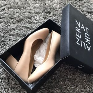 Naturalizer Shoes - EUC Naturalizer Nude Leather Block Heel 9.5 w/ Box